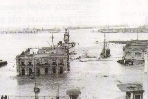 Puerto_de_Valencia_-_Riada_1957