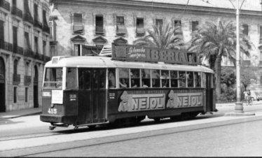 1956, Tranvía 415 en Plaza del Temple.