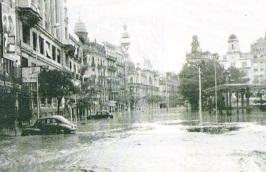 Plaza del AyuntamientoRiada 1957