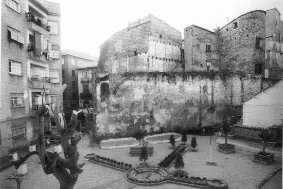1980's Barrio del Carmen behind Plaza del Angel