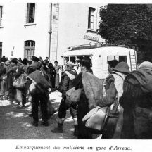 Refugees heading into France with Republican soldiers